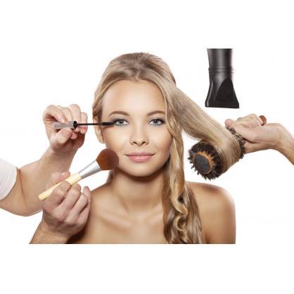 Самые востребованные услуги салонов красоты Киева: покраска волос, солярий + маникюр